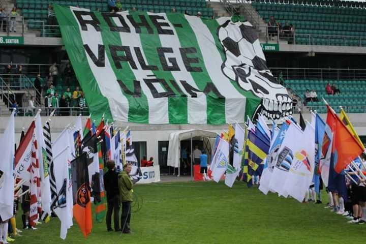 FC Flora fännid enne karikafinaali