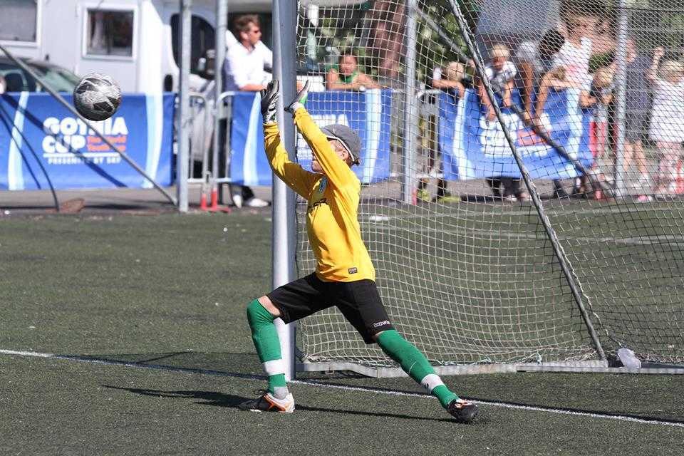 FCF 2001 Gothia Cupil 1_32 finaali penaltiseerias
