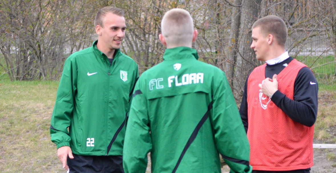 Paremalt: Marko Kõiv, Johannes Kukebal ja Nikita Baranov.