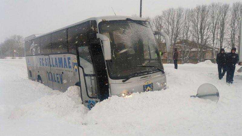 Avariisse sattunud Sillamäe buss