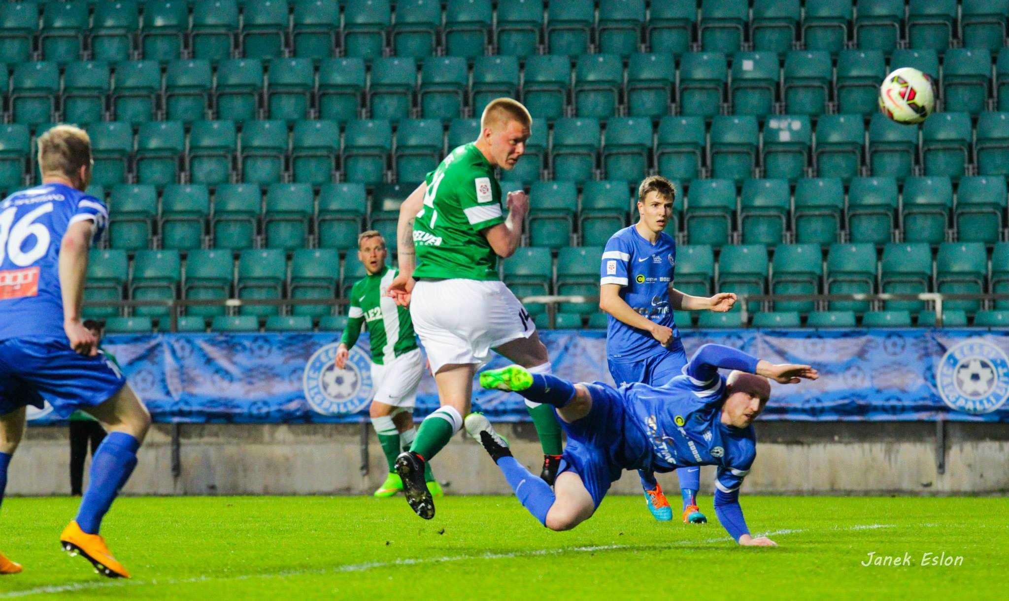 Martin Kase mängus Tartu JK Tammeka vastu 2015. aasta Premium Liiga 13. voorus