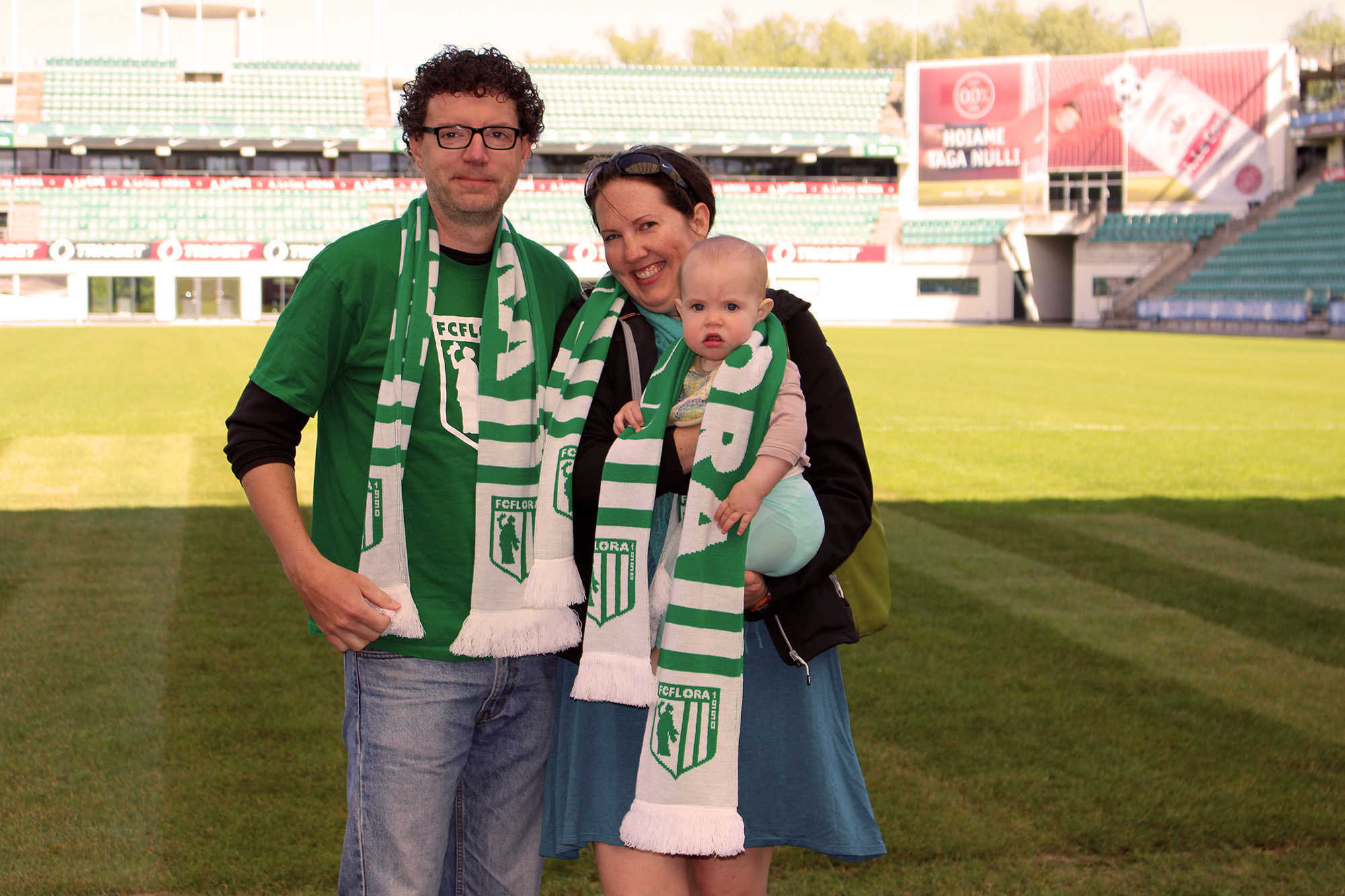 Scott Balling abikaasaga - ja väike Flora!